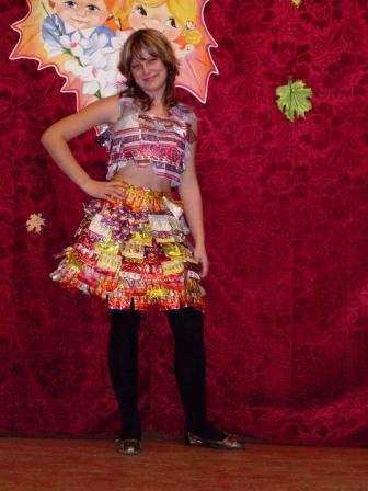 Как сделать платья из фантиков своими руками